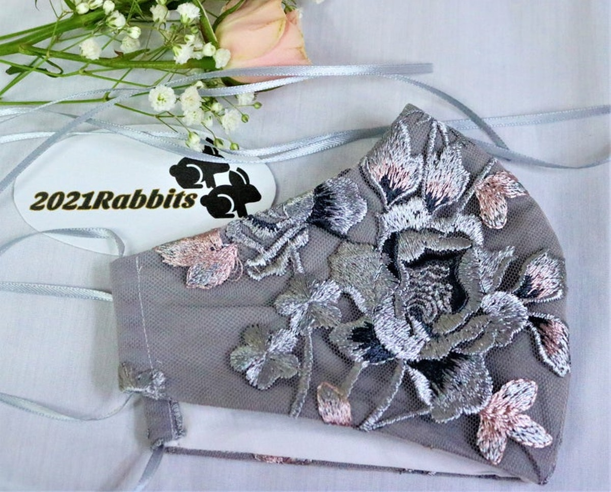 Grey embroidered lace face mask - 100% double cotton lining - three-layer - Bridal Collection