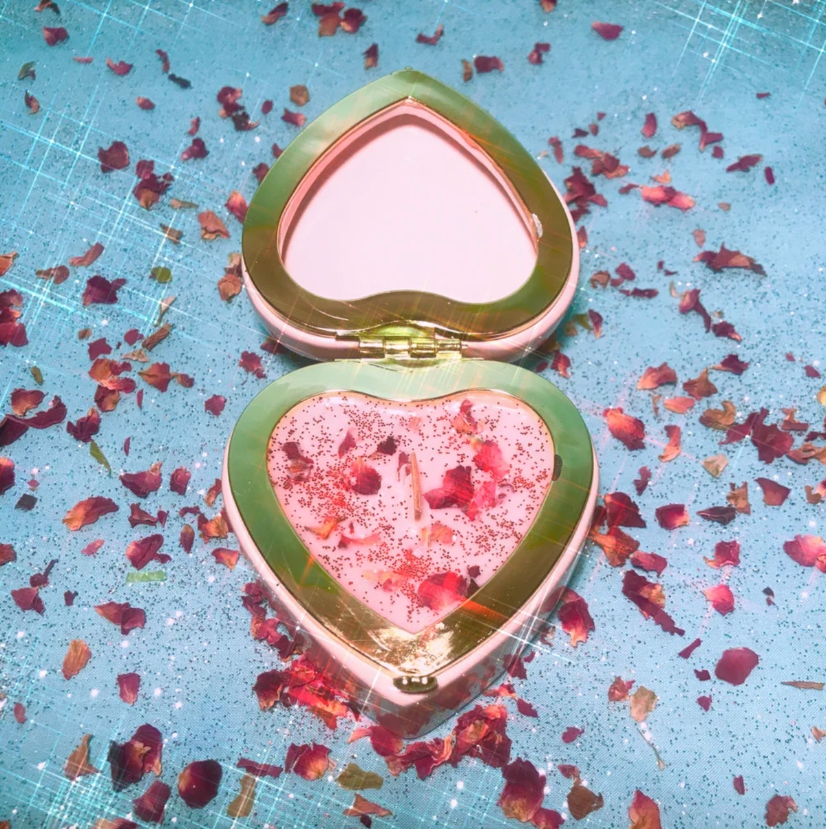 Love Is In the Air Rose Candle - Heart