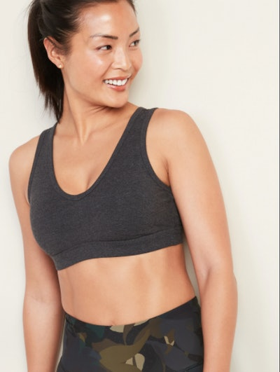 Old Navy Light Support Mesh-Back Sports Bra & High-Waisted Balance Crop Leggings In Carbon