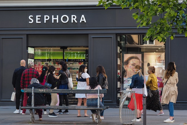 Sephora store reopens during covid-19