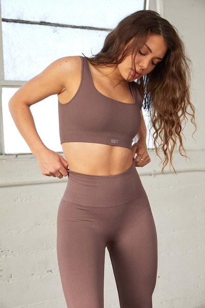 Set Active Pepper Box Cut Bra and Leggings