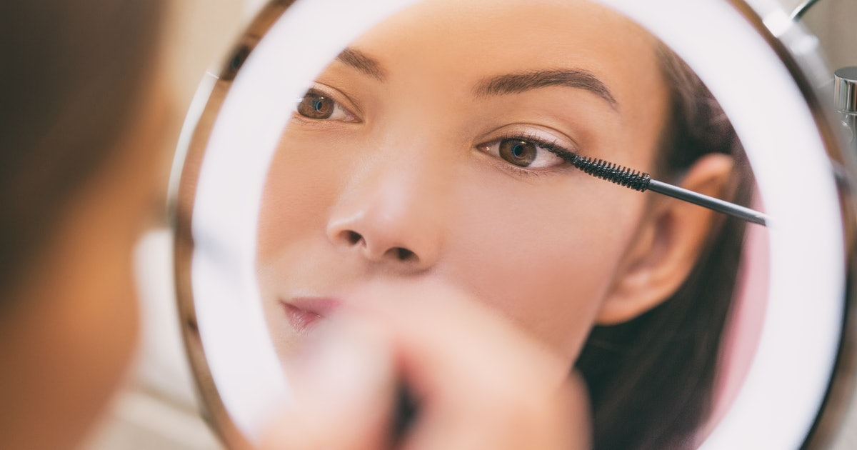 These Lighted Mirrors Are SO Useful For Your Makeup & Skincare Routines