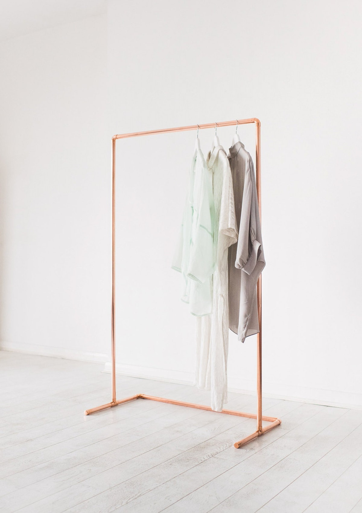 Minimal Copper Pipe Clothing Rail