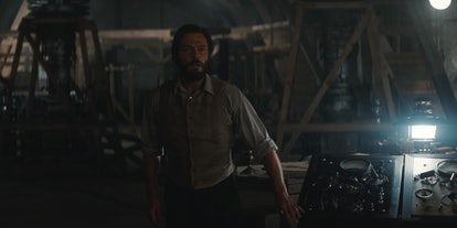 In 1888, Adult Jonas was a founding member of Sic Mundus (via NETFLIX PRESS SITE)