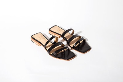 Lagos Sandal in Black Instant Ship