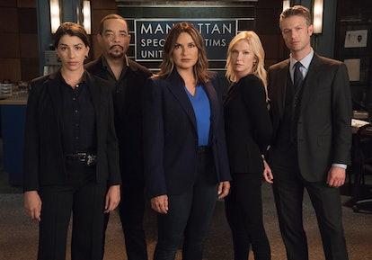 Jamie Gray Hyder, Ice T, Mariska Hargitay, Kelli Giddish, and Peter Scanavino in 'Law & Order: SVU' via NBC press site