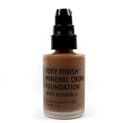 Foxy Finish Mineral Crème Foundation in Chestnut