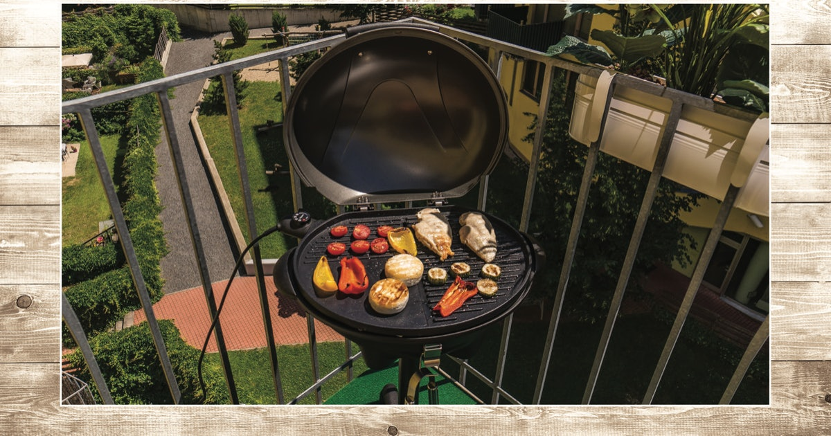 These Compact Grills Are Perfect For Burgers On Your Balcony — & Hello BBQ Season