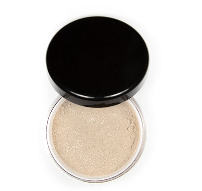 Foxy Finish Mineral Loose Setting Powder (Glow) in Golden Light