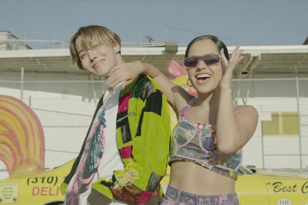 """Becky G & J-Hope's """"Chicken Noodle Soup"""" music video"""