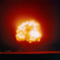 6 pictures of the first atomic bomb test