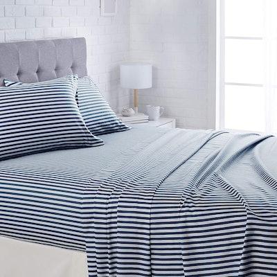AmazonBasics Microfiber Bed Sheet Set (4 Pieces)