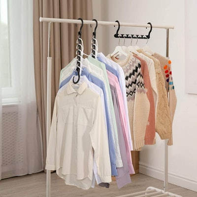 House Day Plastic Space Saving Hangers (12-Pack)