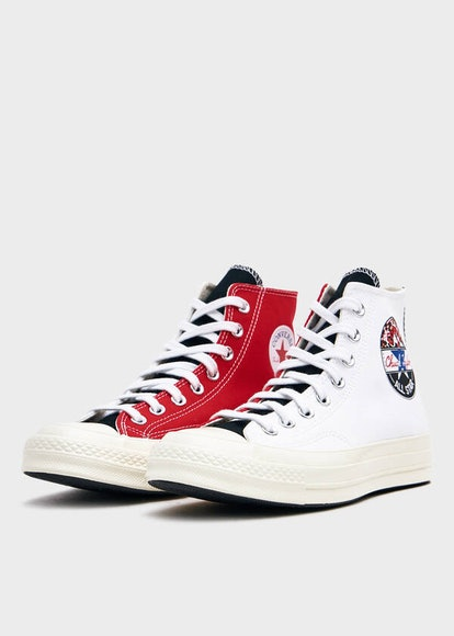 Chuck 70 Hi With Logo Play in White/University Red/Rush Blue