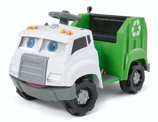 With the Real Rigs Recycling Truck Ride-On Toy, your toddler can learn and play while they cruise the driveway.