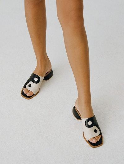 Balance Sandals
