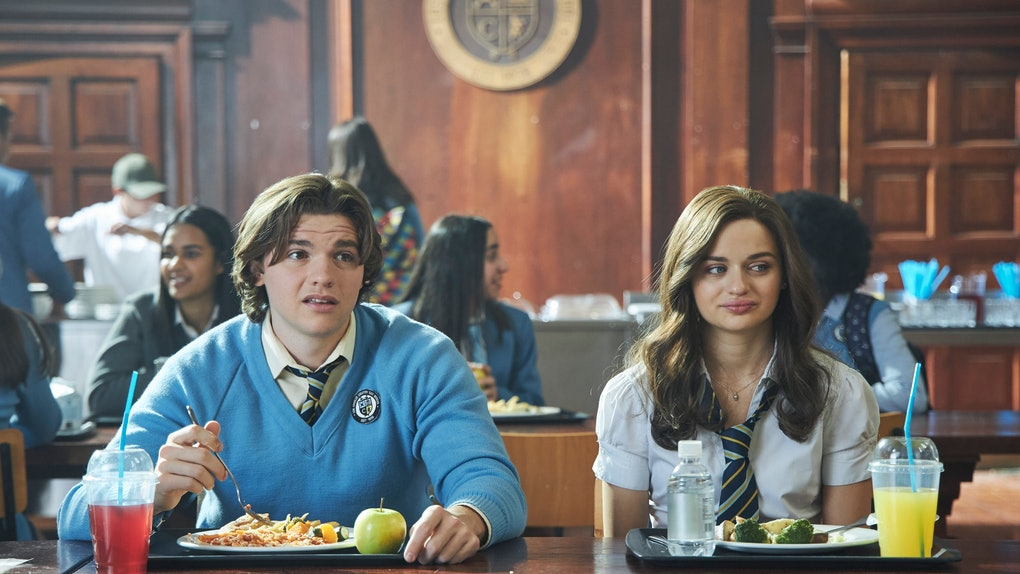 "Joey King (""Shelly 'Elle' Evans""), Joel Courtney (""Lee Flynn"")"