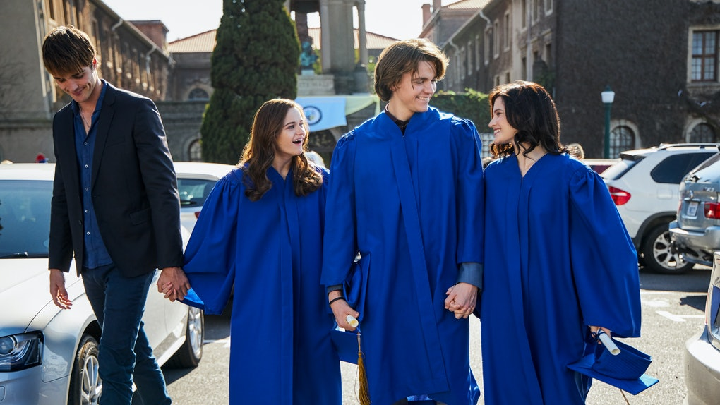 The Kissing Booth 2: Jacob Elordi as Noah Flynn, Joey Kings as Shelly 'Elle' Evans, Joel Courtney as Lee Flynn, Meganne Young as Rachel of The Kissing Booth 2. Cr. Marcos Cruz/Netflix © 2020