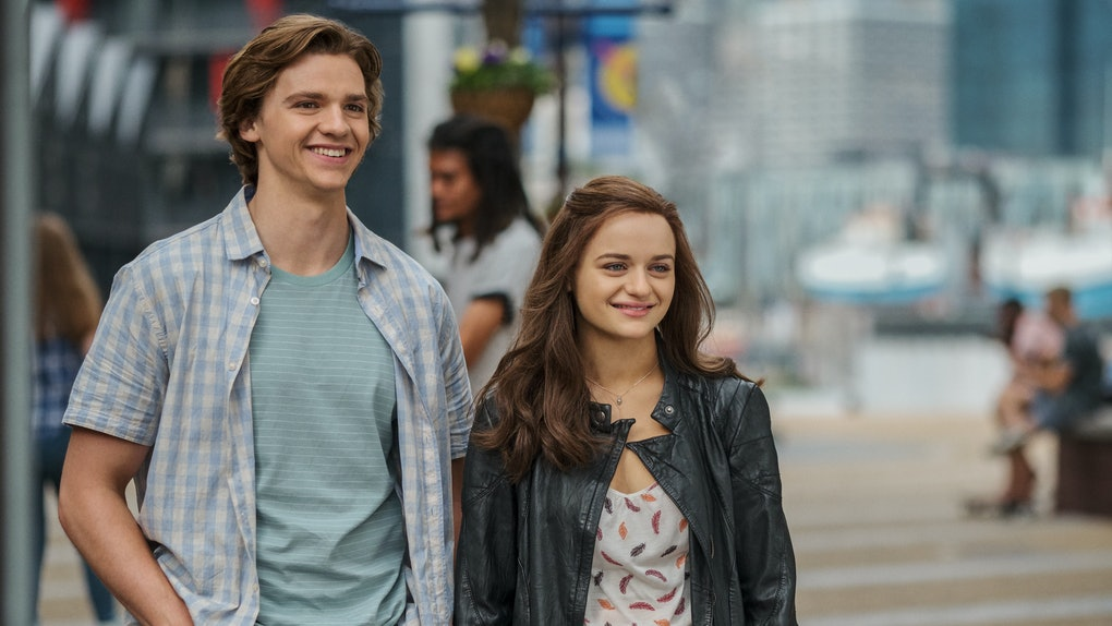 The Kissing Booth 2: Joel Courtney as Lee Flynn, Joey King as Shelly 'Elle' Evans of The Kissing Booth 2. Cr. Marcos Cruz/Netfilx 2020