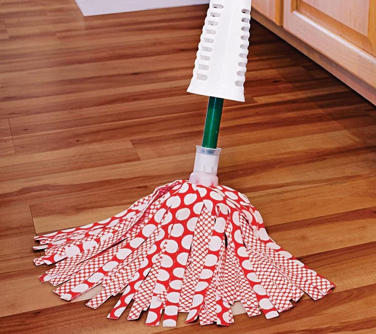 Libman Wonder Mop & Refills Kit