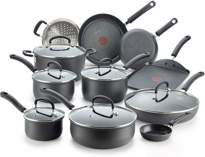 T-fal Ultimate Hard Anodized Nonstick Cookware Set (17 Pieces)