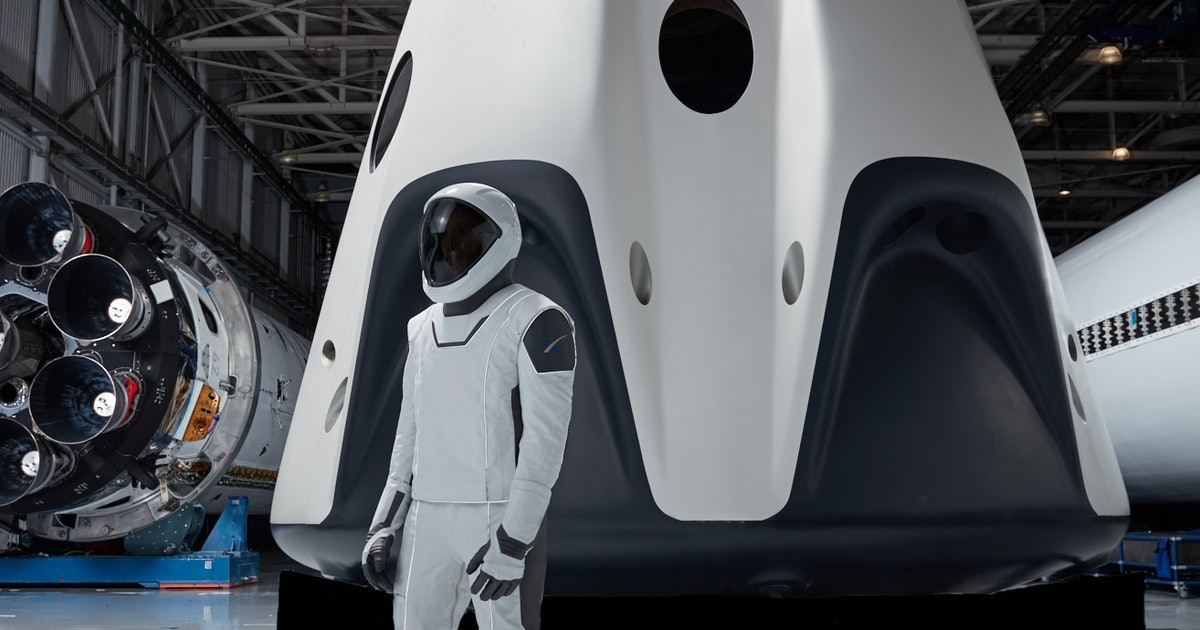 SpaceX Crew Dragon: incredible video details the advanced astronaut suit