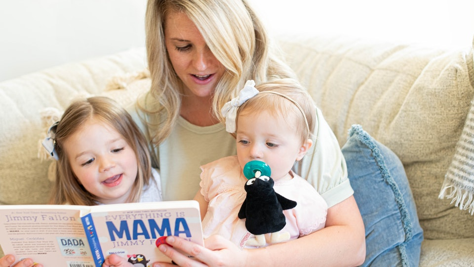 The WubbaNub by Jimmy Fallon Collection are snugly soft versions of his hilarious children's book characters, Jimmy Fallon's wife reading his book to their daughters