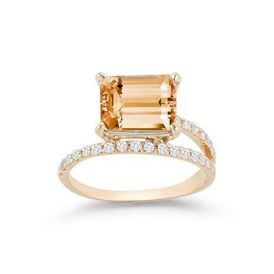 14kt Gold Citrine Point of Focus Ring