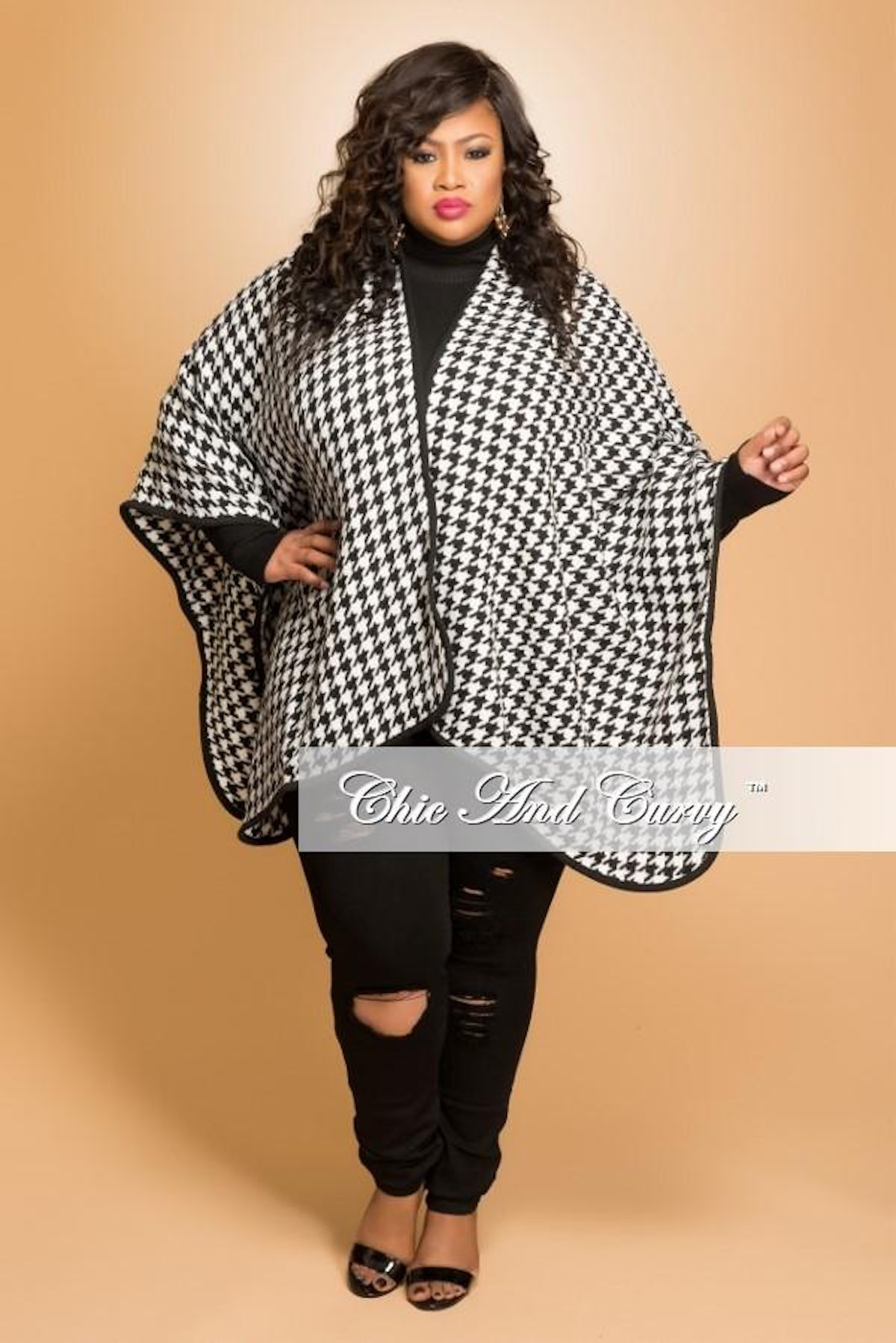 Chic and Curvy Plus Size Coat with Faux Fur Collar in Black Line Print