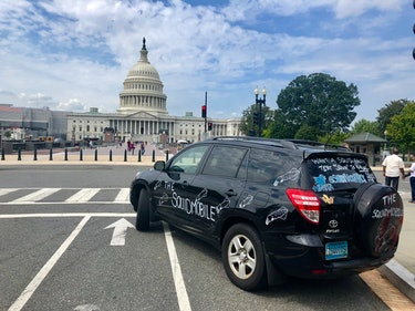The Squidmobile parked in front of the Capitol Building in Washington, DC.