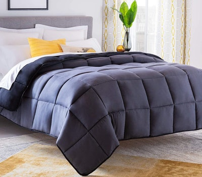 Linenspa All-Season Reversible Down Alternative Quilted Comforter