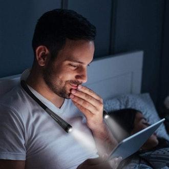 Glocusent LED Neck Reading Light