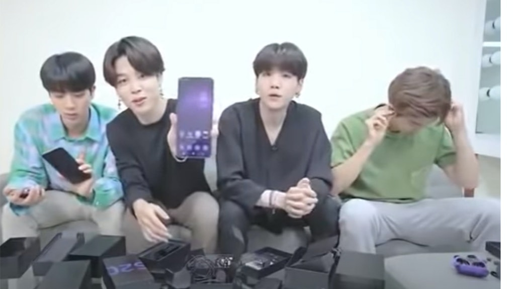 A screenshot from BTS Galaxy S20+ Phone Unboxing Video