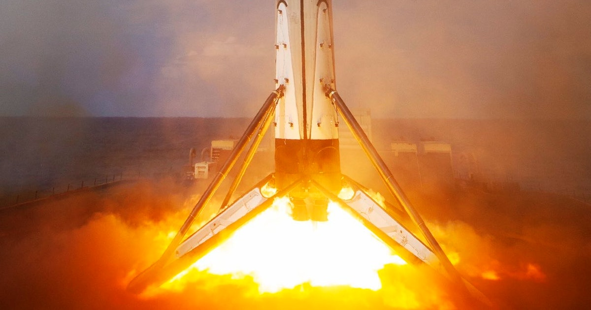 SpaceX Falcon 9: stunning images give razor-sharp view of droneship landing - Inverse