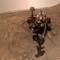 On Mars, the NASA Curiosity rover begins a new era of exploration