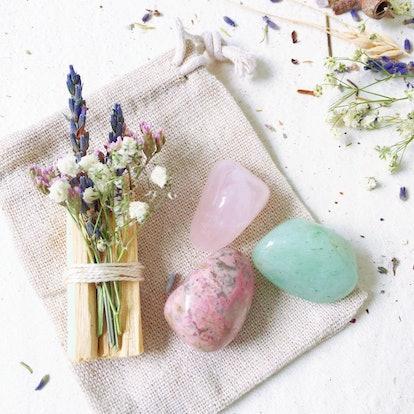 Love & Heart Healing Crystal Kit