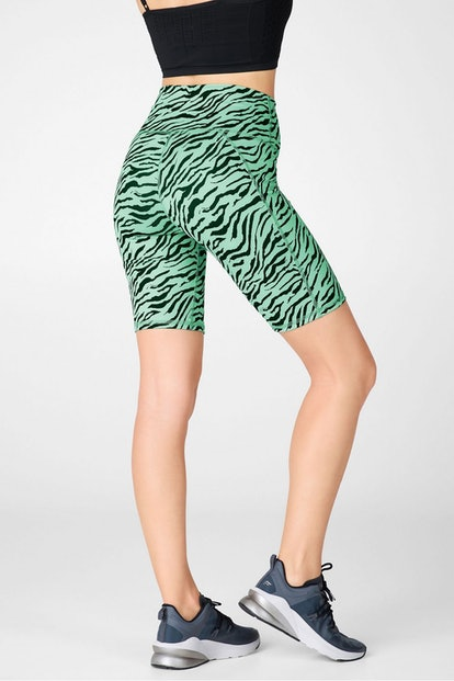 """Fabletics High-Waisted Printed PowerHold® Short 9"""""""