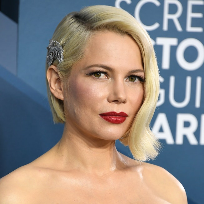 Michelle Williams arrives at the 26th Annual Screen ActorsGuild Awards at The Shrine Auditorium on January 19, 2020 in Los Angeles, California.