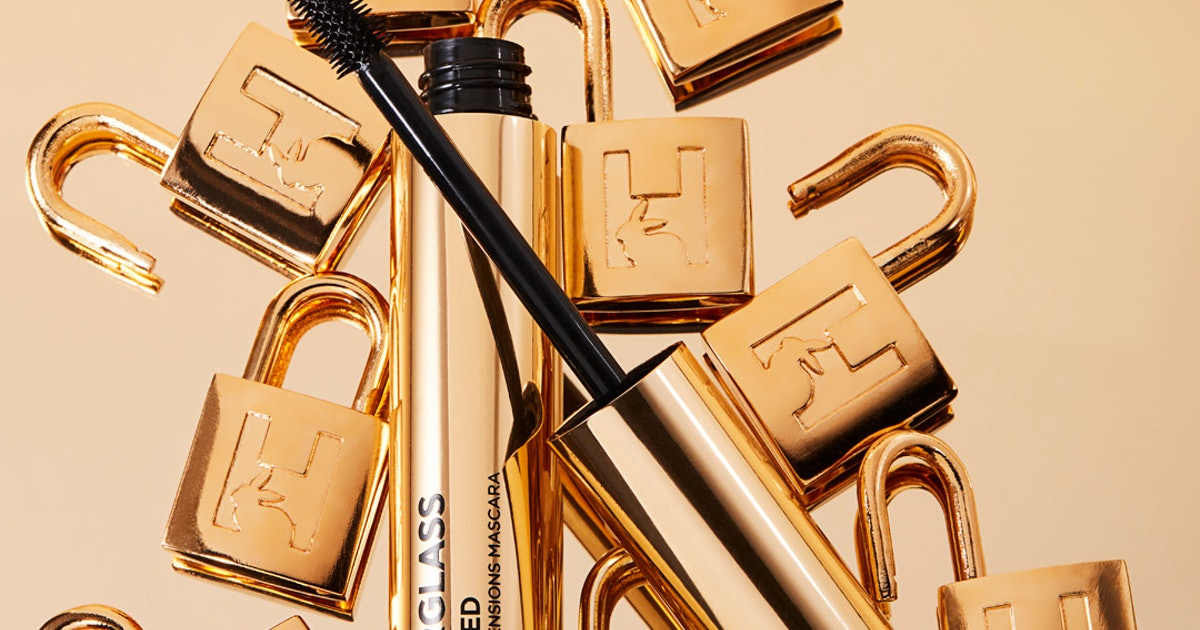"""Hourglass Cosmetics' New Mascara Gives You """"Instant Extensions"""" (& I Tried It Out)"""