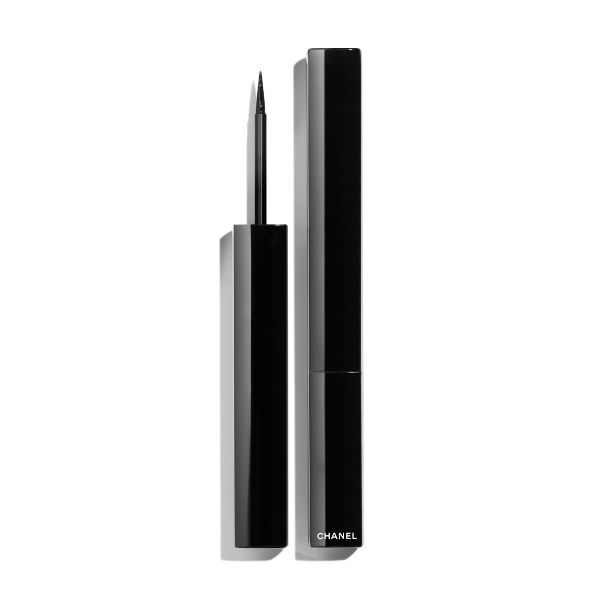 Le Liner de Chanel in Noir Profound