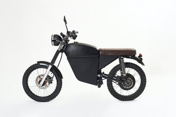 Studio shot of the BlackTea electric moped