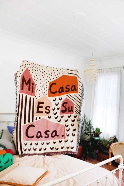 Mi Casa Es Su Casa Blanket
