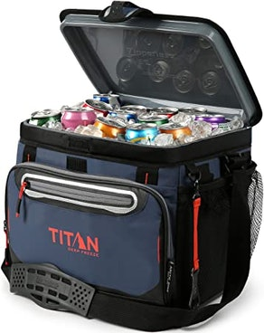 Arctic Zone Titan Deep Freeze Hardbody Cooler (30-Can)