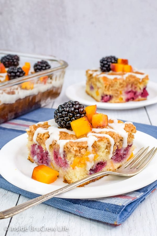 slices of peach and blackberry coffee cake