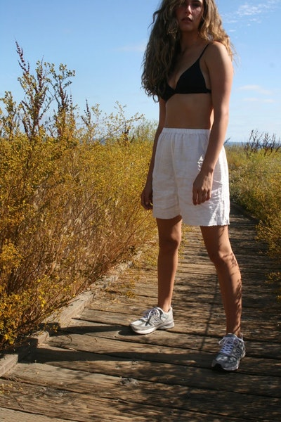White Linen Shorts With Raw Edge