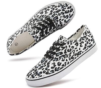 Hash Bubbie Women's White Canvas Shoes