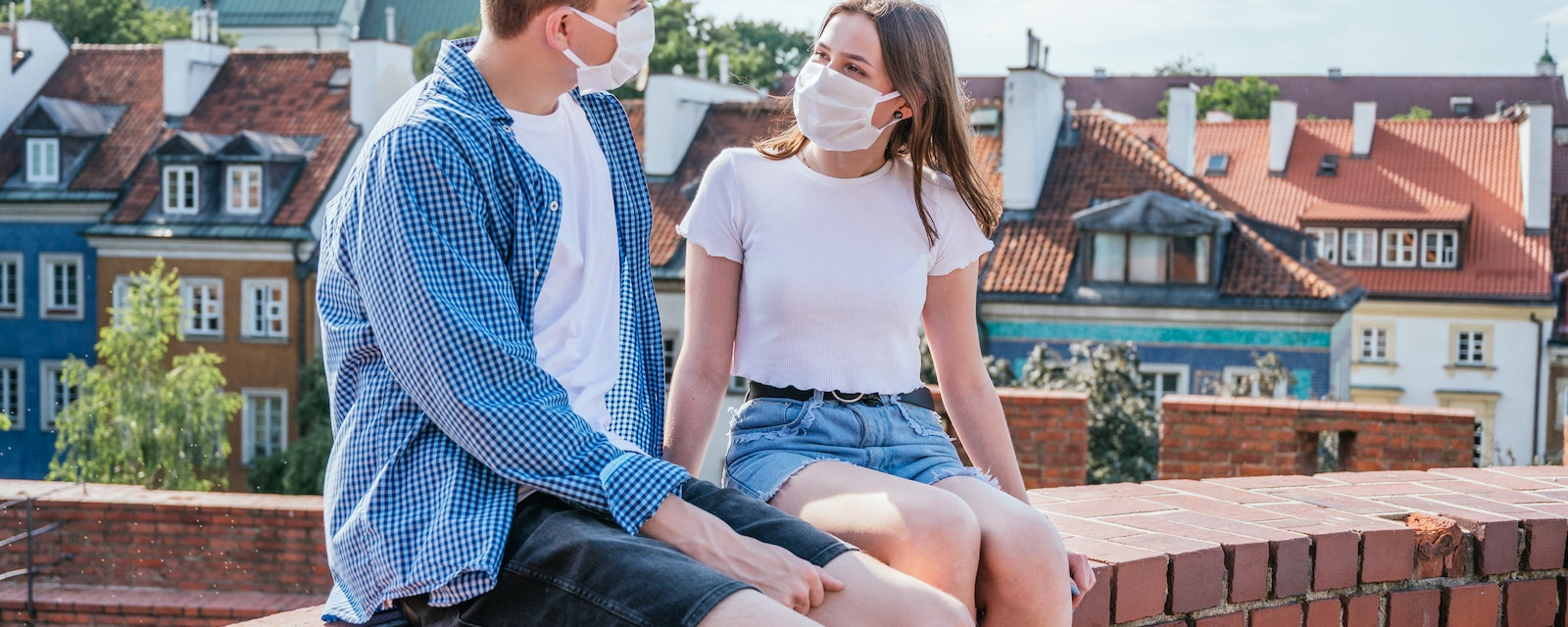 Wearing a mask on a date? Here's how to still feel confident and sexy.