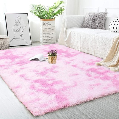 Noahas Abstract Shaggy Rug (48 x 72 inches)