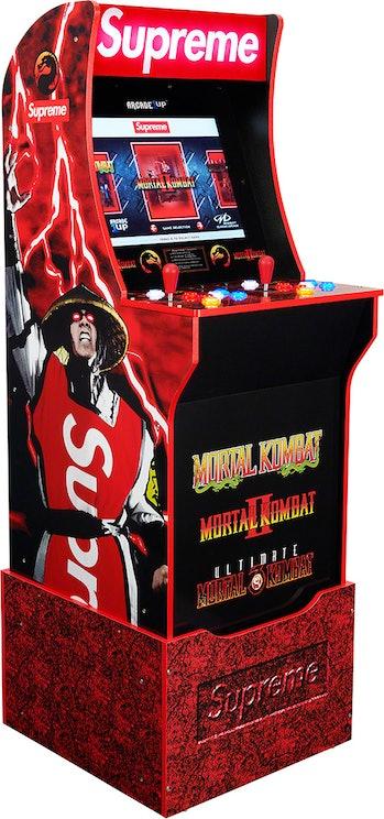 Supreme Mortal Kombat Arcade Game