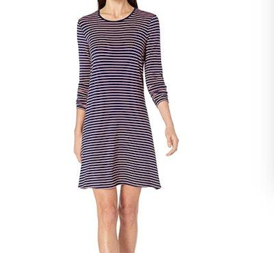 Amazon Essentials Women's Long-Sleeve Crewneck Swing Dress